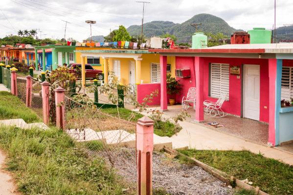 Kuba Vinales Bunte Häuser