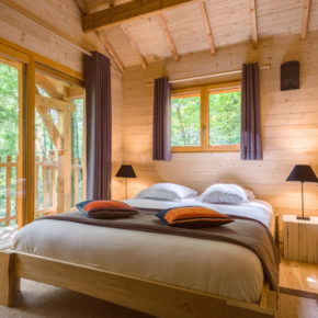 Natur pur 2021: 2 Tage im Baumhaus in Frankreich mit privatem Whirlpool & Frühstück nur 122€