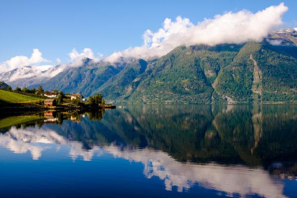 Norwegen Hanrdangerfjord Berge