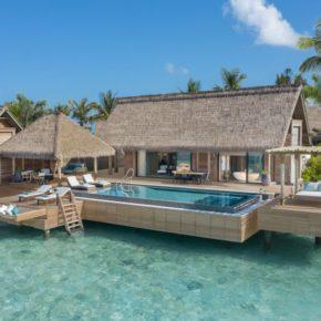 Luxus auf den Malediven: 10 Tage mit eigener TOP 5* Villa, Pool, Frühstück, Flug & Transfer für 8818€