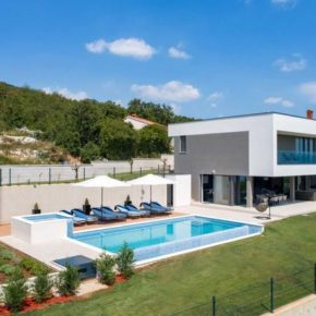 Luxusvilla in Kroatien: 8 Tage in Istrien mit Infinity-Pool, Whirlpool & Meerblick um 254€ p.P.