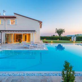 Luxus-Villa mit eigenem Spa: 7 Tage in der Toskana inkl. Privatpool, Sauna, Jacuzzi & mehr um 416€