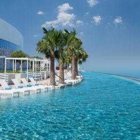 Krasser Infinitypool über Dubai: 7 Tage im TOP 5* Luxus-Resort mit Frühstück, Flug & Transfer für 1.359€