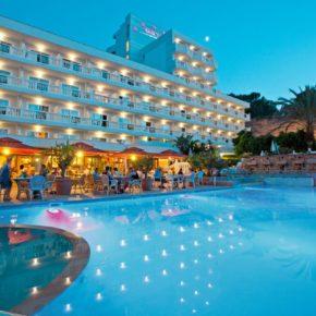 Mallorca: 7 Tage im 4* Hotel mit Halbpension, Flug & Transfer für 448€