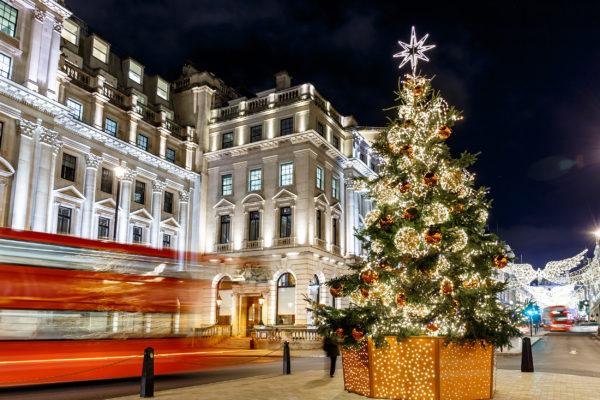 Großbritannien London Weihnachtsbaum Glitzer